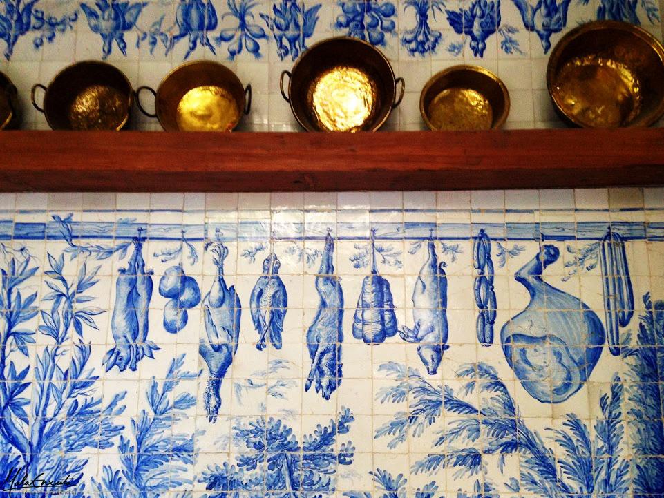 azulejos no café restaurante do museu do azulejo